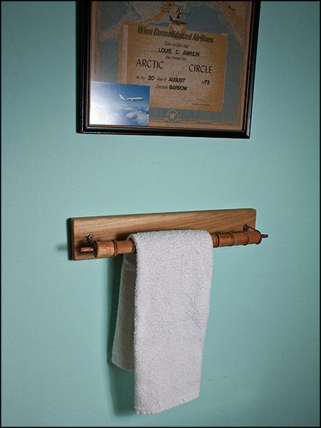 Spool challenge towel holder