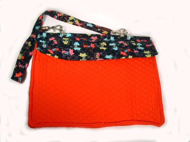 Photo of back side of bag.