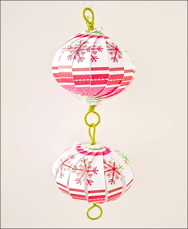 Christmas Ornament Countdown: Scrapbook Paper Balls