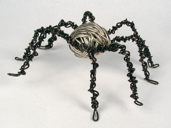 Wire wrapped spider