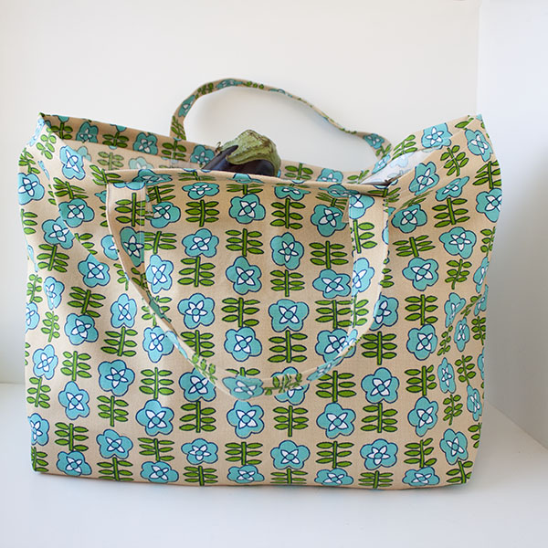 Completed grocery tote bag