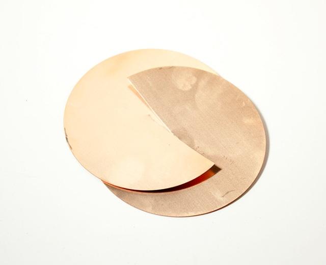 Slide the two disks together.