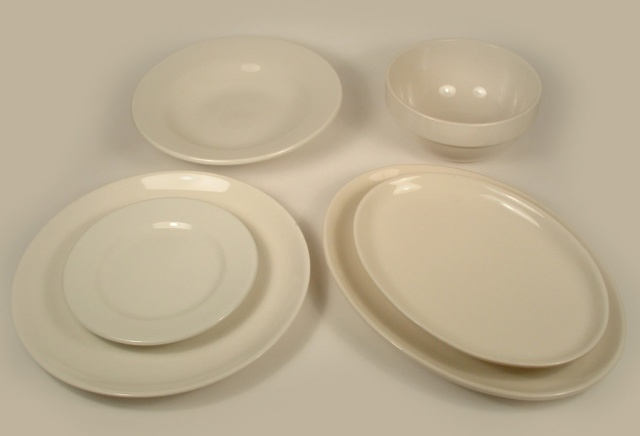 Photo of 6 different pieces of white diner china.