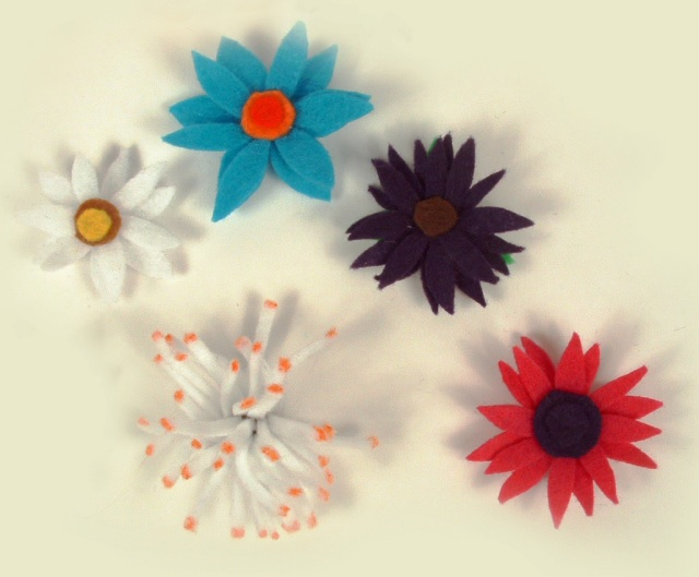Top view of felt flower magnets.