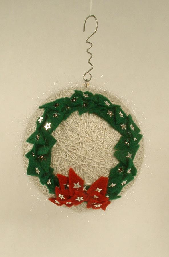 Felt wreath side of the ornament