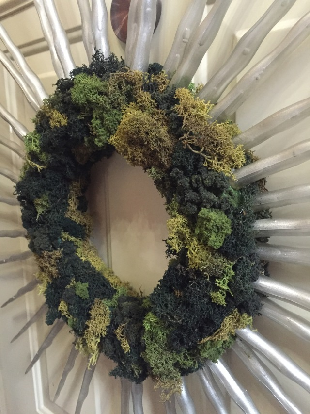 side view of completed wreath